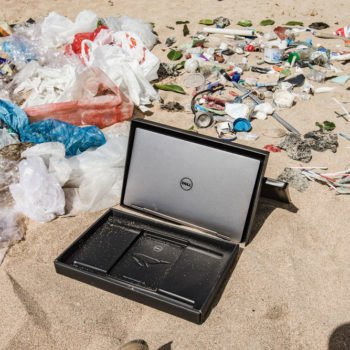 dell-laptop-and-ocean-plastic